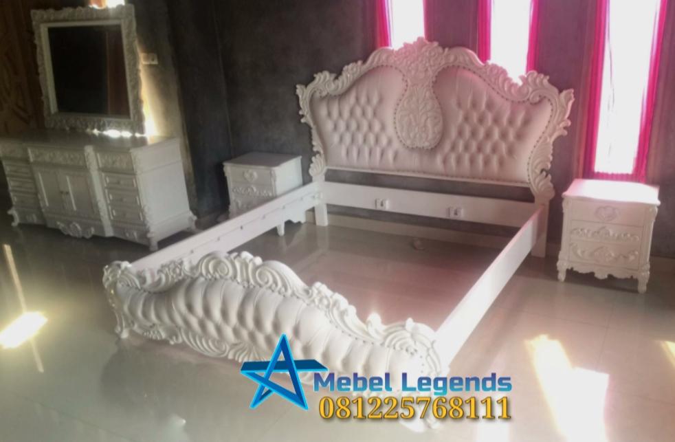 Set Kamar Tidur Klasik Putih Eropa Style