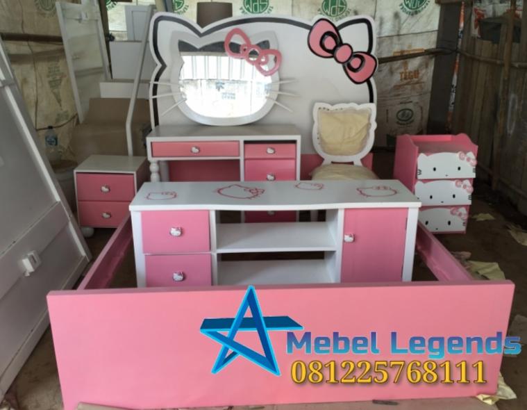 Set Tempat Tidur Anak Hello Kitty Pink Putih