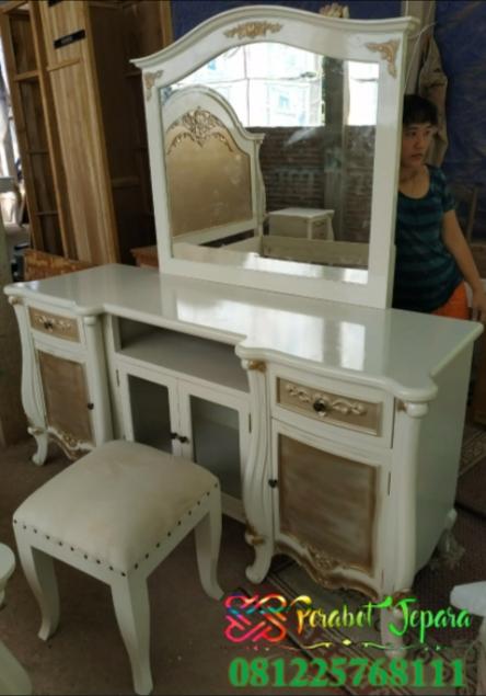 Meja rias cantik untuk hantaran pernikahan
